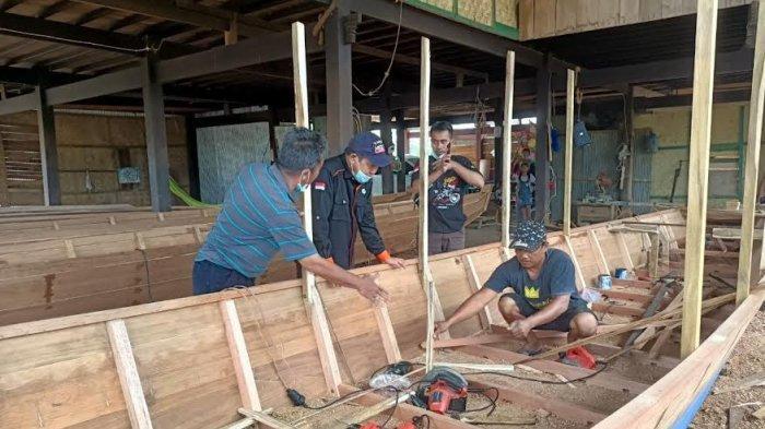 Perajin di Desa Mojong Sidrap Produksi 7 Perahu dalam Sebulan