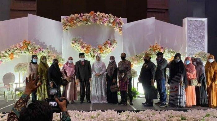 Bupati Sidrap Dollah Mando menikah dengan Suhara di Four Points By Sheraton Makassar, Jl. Andi Djemma, Kecamatan Rappoccini, Kota Makassar, Senin, (15/03/2021) pukul 10.00 Wita