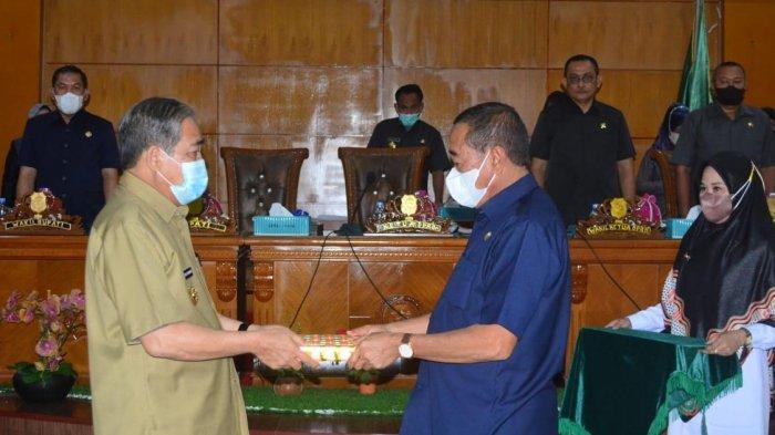 Bupati Sidrap Serahkan Ranperda APBD Perubahan 2021 ke DPRD