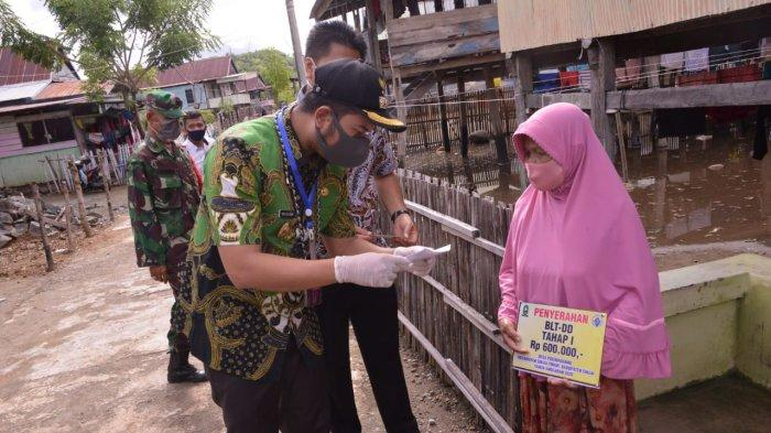Kabar Buruk Jokowi, Warga Dapat BLT Sisa Rp 150 Ribu, Rp 450 Ribu Diambil Kepala Dusun, Alasannya