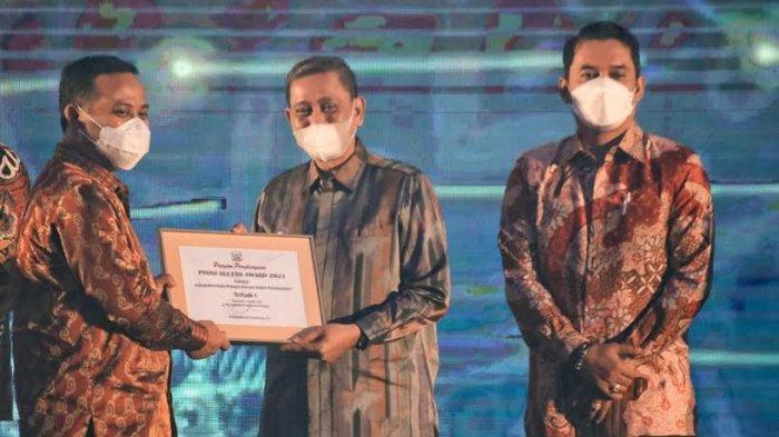 Juara Pertama Pelopor Inovasi Sektor Perindustrian, Bupati Wajo Diganjar Pinisi Sultan Award 2021