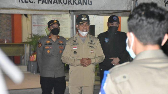 Waspada Lonjakan Kasus Covid-19, Malam-malam Camat Panakkukang Kumpul Pasukan Dirikan Posko PPKM