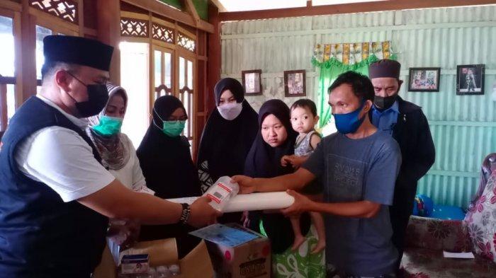 Pemkot Parepare Berikan Bantuan Perlengkapan Medis ke Balita Tanpa Anus