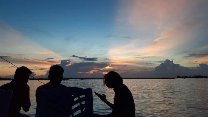 Cara Menikmati Keindahan Pantai Losari Makassar Meski Langit Mendung