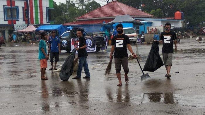 Cegah Penularan Penyakit di Musim Hujan, Dani Community Maros Keren Bersihkan Pasar