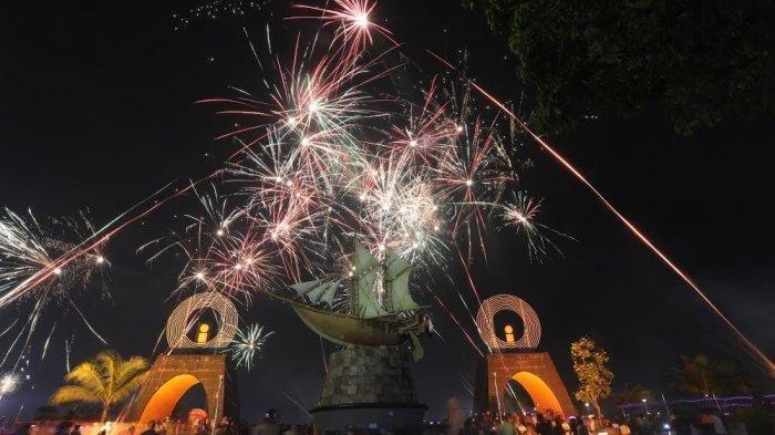 Cek Prakiraan Cuaca BMKG di Malam Tahun Baru 2020, Bandung dan Surabaya Hujan Petir Malam ini