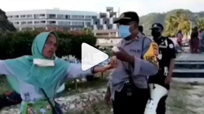 VIRAL Video Emak-emak Ngomel Pakai Bahasa Inggris Saat Dibubarkan, Polisi Sampai Terdiam