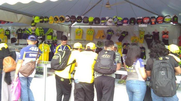 Merchandise Rossi Paling Laris di MotoGP Sepang - cen2e_20171028_135525.jpg