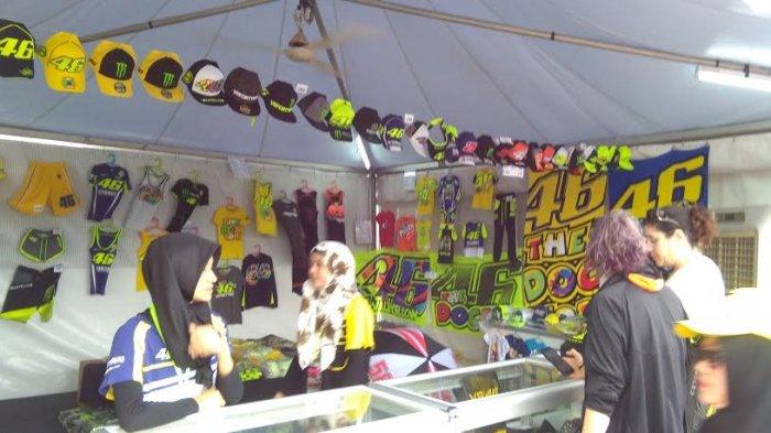 Merchandise Rossi Paling Laris di MotoGP Sepang - cen3e_20171028_135553.jpg