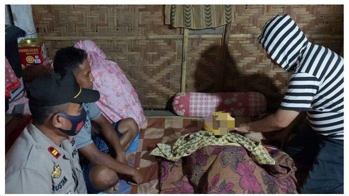 Cenning saat disemayamkan di rumahnya di Lingkungan Timpalaja, Kelurahan Salomekko, Kabupaten Bone
