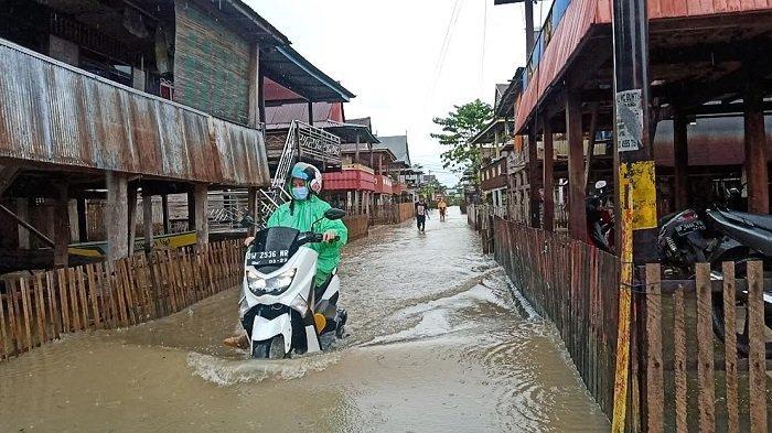 Diguyur Hujan Semalaman, Banjir Rendam Sejumlah Kecamatan di Kabupaten Wajo