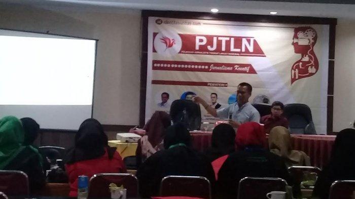 Narasumber di PJTLN Identitas Unhas 2019, Dahlan Dahi: Jurnalis Sekarang Harus Pahami Bahasa Mesin