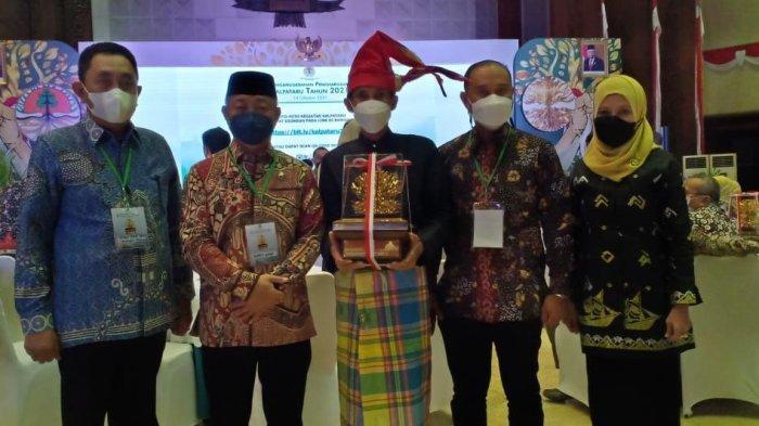 Perintis Rumah Hijau Denassa Raih Penghargaan Kalpataru 2021