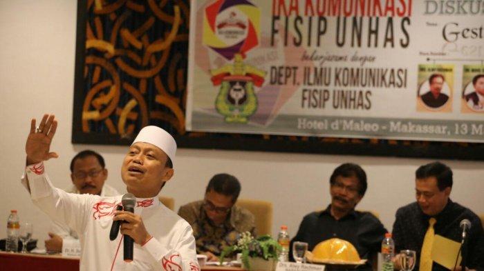 Ternyata Dai Kondang Das'ad Latief Orang Sulsel Pertama Divaksin Bareng Presiden Joko Widodo