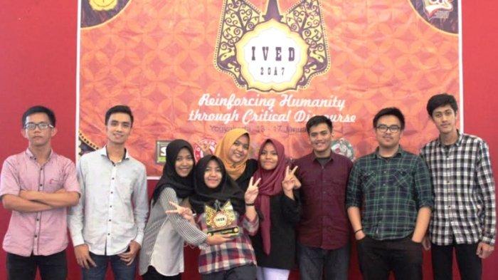 Tumbangkan UGM, Unhas Juara Debat Bahasa Inggris di Yogyakarta