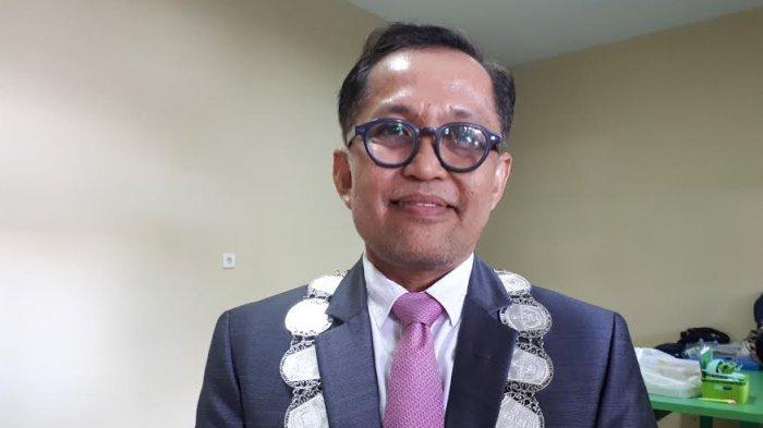 Dekan Fakultas Kedokteran Gigi (FKG) UMI Prof drg Moh Dharma Utama