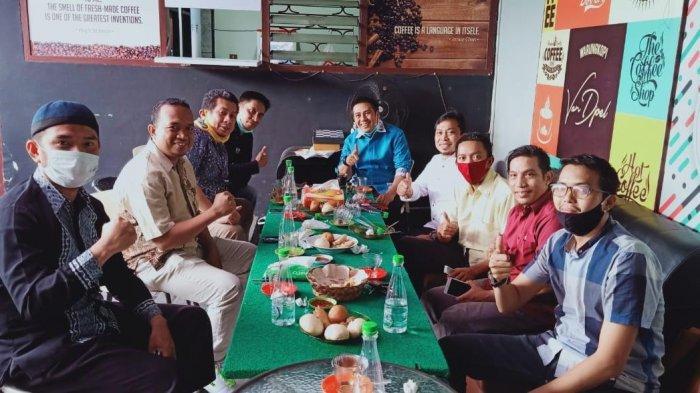 Pengurus DPD PKS Makassar Ngopi Bareng dengan Syamsu Rizal