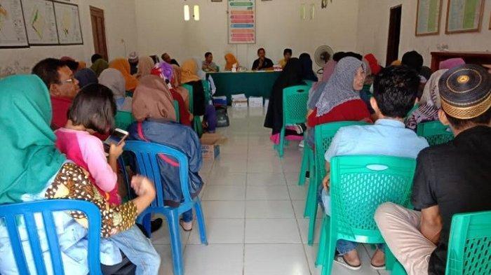 Disdukcapil Sosialisasi Buku Data Induk Warga di Desa Pitusunggu