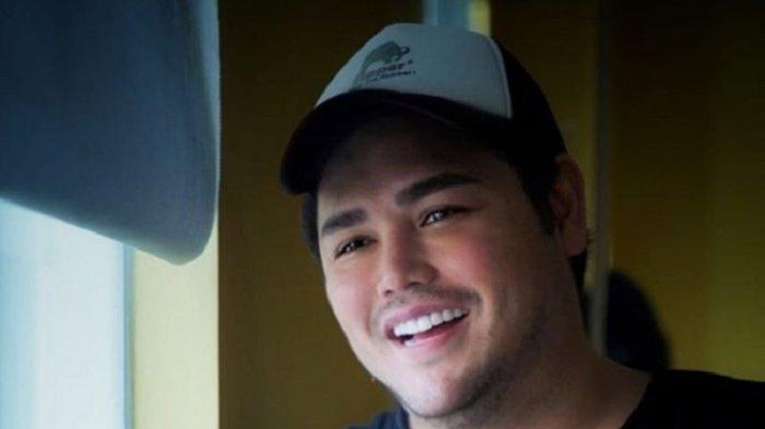 Lamaran Ditolak Ayu Ting Ting? Ivan Gunawan Marah di Instagram, Seret Media & Tutup Kolom Komentar