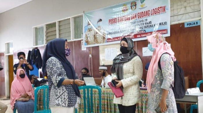 Legislator Perempuan Nasdem Sulsel Bagikan 1.500 Sembako di Wajo
