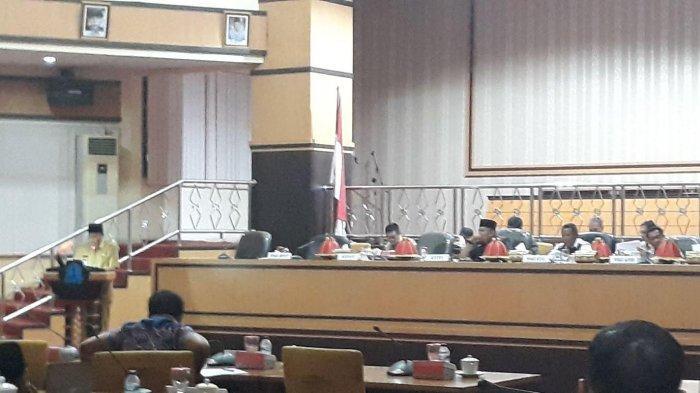 19 Anggota DPRD Bone Bolos Rapat Paripurna Malam
