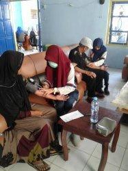 Ratusan Warga Ikut Pemeriksaan Kesehatan Gratis di Kantor Desa Taraweang