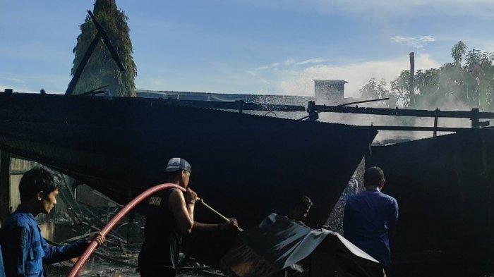 BREAKING NEWS: Kebakaran di Masumpu Bone, 4 Kios, 6 Indekos, 8 Motor Hangus