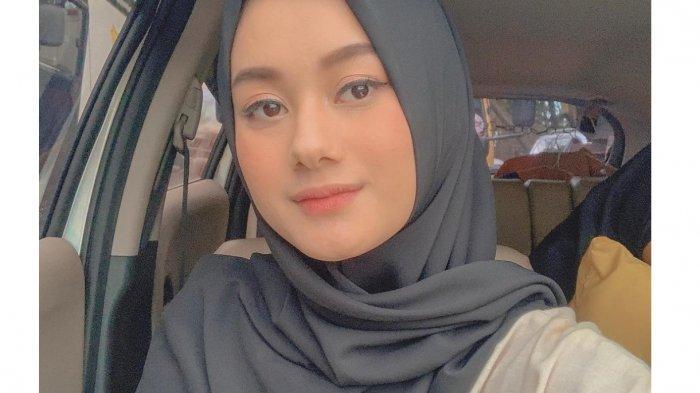 TRIBUNWIKI: Raih Gelar Sarjana dari Binus, Ini Profil ...