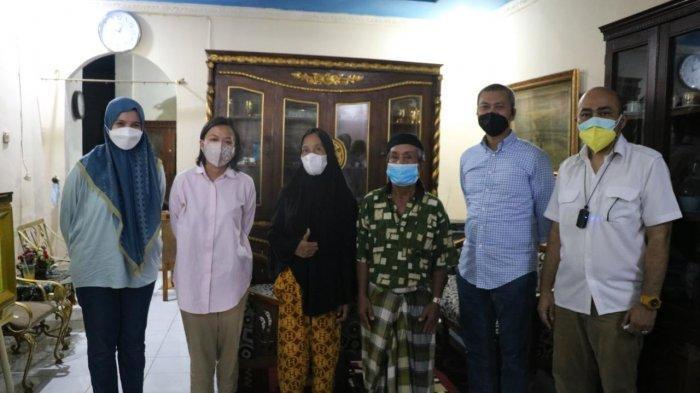 Direksi Kalla Group Sambangi Kediaman Safaruddin, Peserta Vaksin Nipah yang Viral