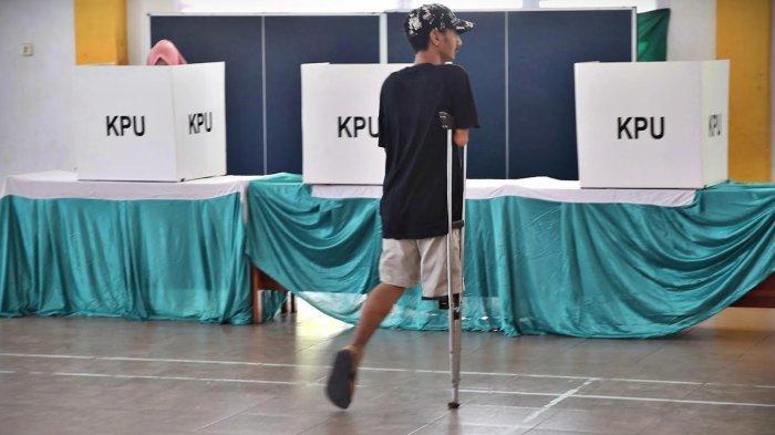 FOTO: Penyandang Disabilitas Mencoblos di Panti Sosial Bina Daksa Wirajaya Makassar - diss1.jpg