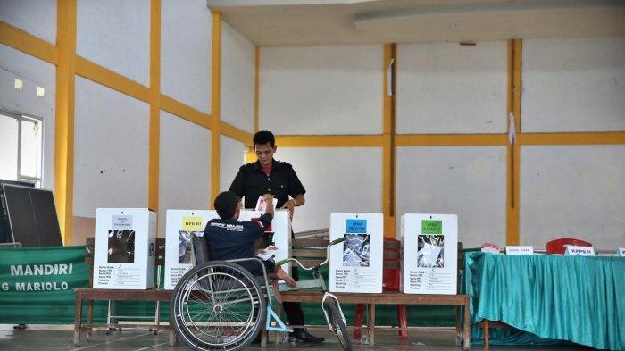 FOTO: Penyandang Disabilitas Mencoblos di Panti Sosial Bina Daksa Wirajaya Makassar - diss5.jpg