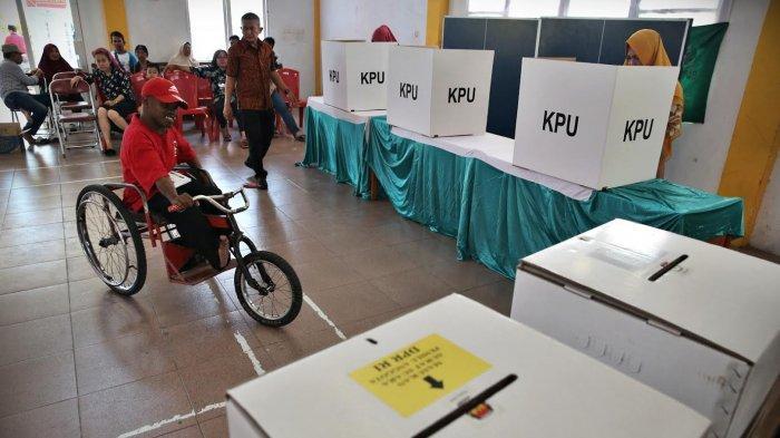 FOTO: Penyandang Disabilitas Mencoblos di Panti Sosial Bina Daksa Wirajaya Makassar - diss9.jpg