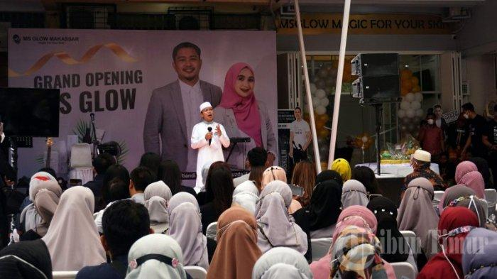 FOTO: Ada Ustad Da'sad Saat Launching MS Glow Distributor Makassar - distributoesd3.jpg