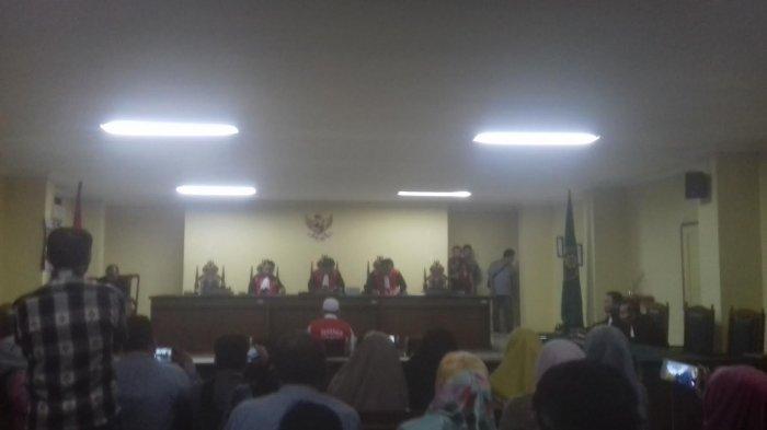 Majelis Hakim Pengadilan Bacakan Putusan Terhadap Bos Abu Tours Hari ini