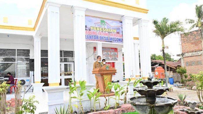 Dollah Mando Resmikan Kantor Desa Mojong Sidrap, Dinamai Gedung Istana Berdesa