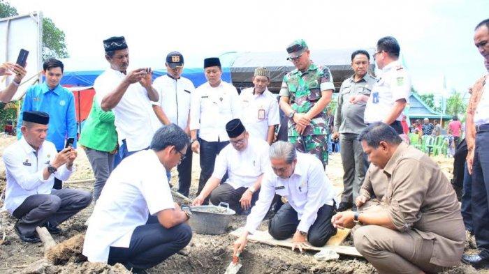 Hadiri Petakkan Batu Pertama Pembangunan Masjid Fastabiqul Khaerat, Begini Pesan Bupati Sidrap