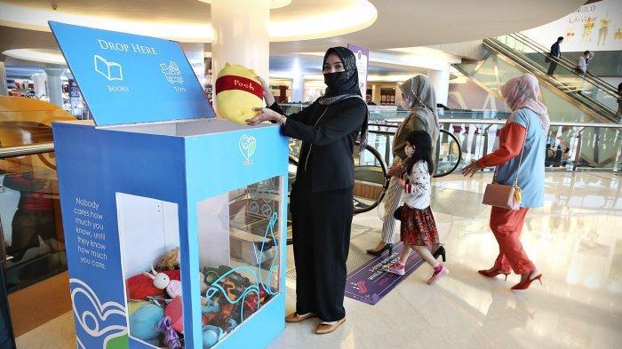 FOTO: Berdonasi Mainan Melalui Program We Care di TSM