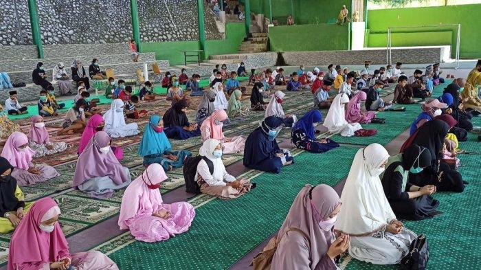 PKK Parepare Gandeng Komunitas Dakwah PPA Makassar Bagi Donasi ke Penghafal Quran dan Anak Pasar