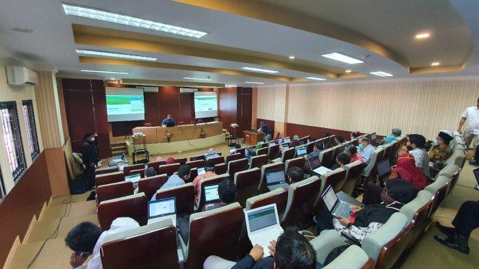 Kelola Sistem Kuliah Daring, Dosen Fakultas Tarbiyah dan Keguruan UINAM Dilatih Aplikasi Lentera