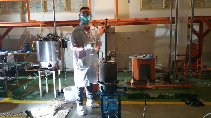 Kembangkan Asap Cair Sebagai Biopestisida, Dosen Wamena Meneliti di FTI UMI