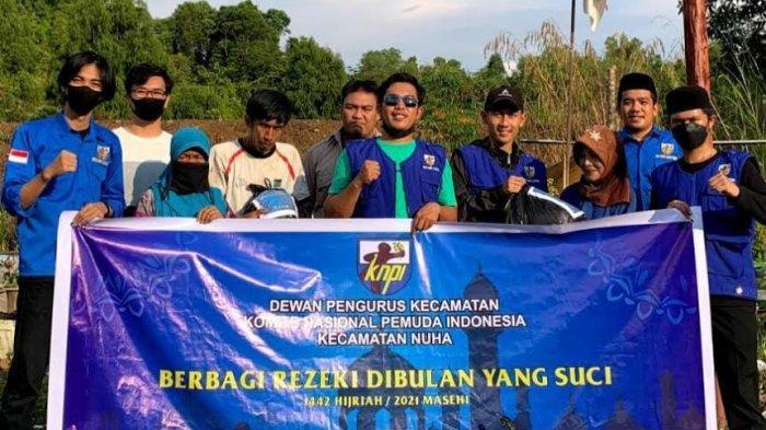 DPK KNPI Nuha Luwu Timur Salurkan Sembako ke Warga Kurang Mampu