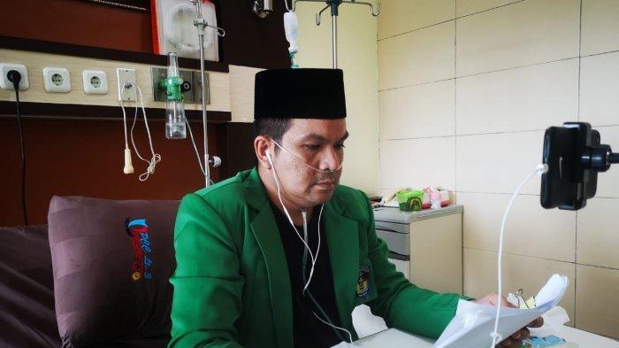 Gigihnya Dokter Yudi Raih Magister Kesehatan Padahal Selang Oksigen Masih Terpasang Akibat Covid-19
