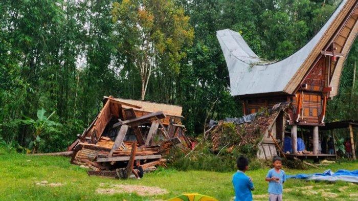 Dua Rumah Adat di Sanggalangi Toraja Utara Rusak Diterjang Angin Puting Beliung