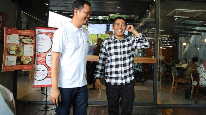 dua-bakal-calon-walikota-makassar-syamsu-rizal-dan-dr-fadli-ananda-berfoto.jpg