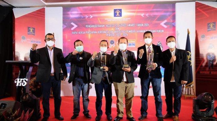 Dua Organisasi Bantuan Hukum Sulsel Sabet Penghargaan Menkumham