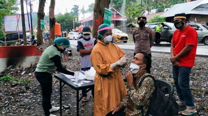 19 Pengendara Jalani Swab Antigen di Posko Siguntu Tana Toraja, Dua Orang Reaktif