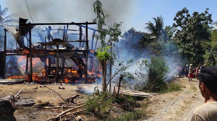 Diduga Gara-gara Ini, Dua Rumah Terbakar di Pammana Wajo