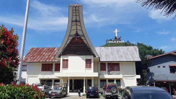 Blangko Belum Siap, Warga Torut Urus SKCK di Polres Tana Toraja