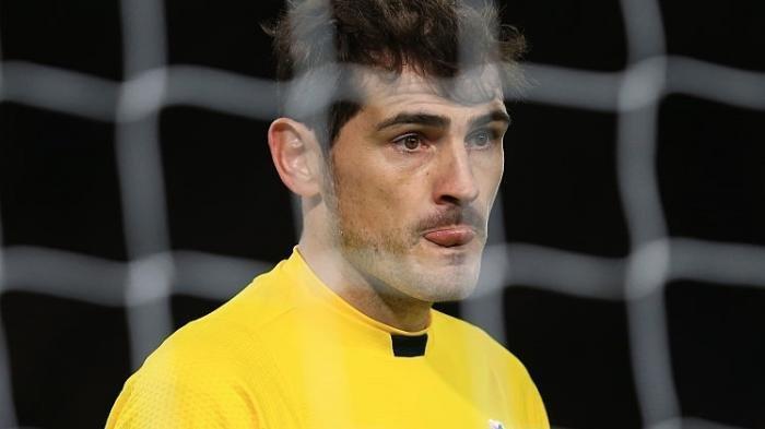 Bukan Real Madrid, Iker Casillas Justru Ajak Reuni Pemain Barcelona