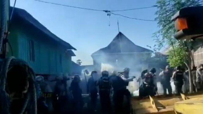 Eksekusi Lahan Warga di Desa Boddia Takalar Ricuh, Polisi Tembakkan Gas Air Mata